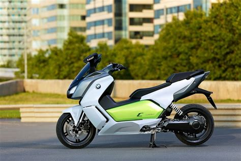 Bmw All Electric Scooter by Bmw Brings C Evolution All Electric Scooter In Frankfurt
