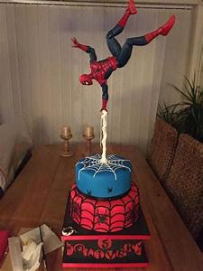 You have to see Spiderman gravity defying cake by