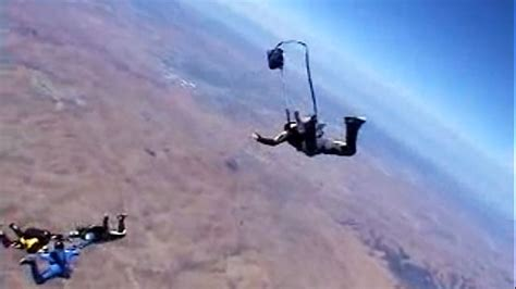 Skydiving Horseshoe Malfunction on Vimeo