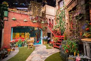 Muppet Stuff: Tour the New Sesame Street Set!