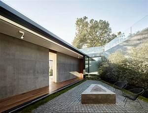 Haus Aus Beton : haus aus glas und beton auf einem h gel mit eichen ~ Lizthompson.info Haus und Dekorationen