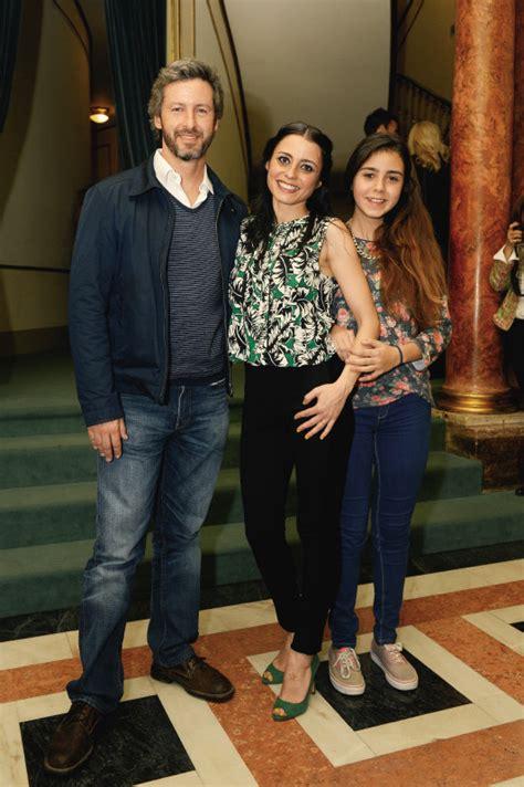 Check the model profile of patricia tavares from spain. Patrícia Tavares recebe carinho do marido e da filha em ...