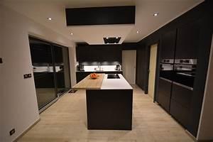 Cuisine Bois Et Blanc : cuisine bois et blanc laque 1 cuisine laqu233e mat ~ Dailycaller-alerts.com Idées de Décoration