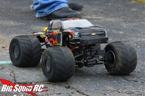 monster truck mud videos trigger king rc mud and monster truck series 24 big
