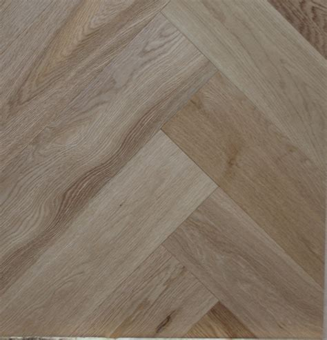 Natural brushed and sealed Engineered oak herringbone wood
