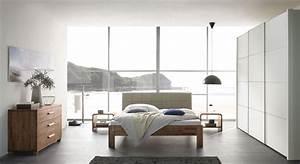 Schlafzimmer Komplett Mit Aufbauservice : modernes komplett schlafzimmer aus massivem nussbaumholz pello ~ Bigdaddyawards.com Haus und Dekorationen