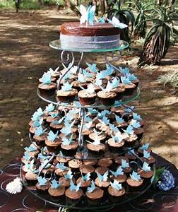 HOME DZINE Shopping Gorgeous wrought iron cupcake stands