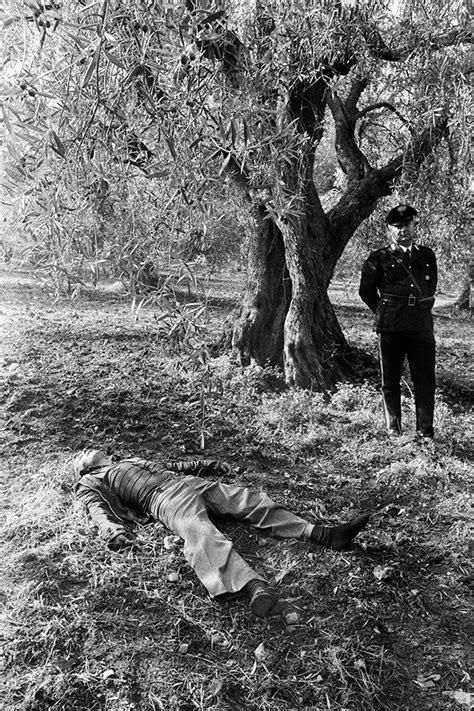 letizia battaglia  photographing sicilys mafia men