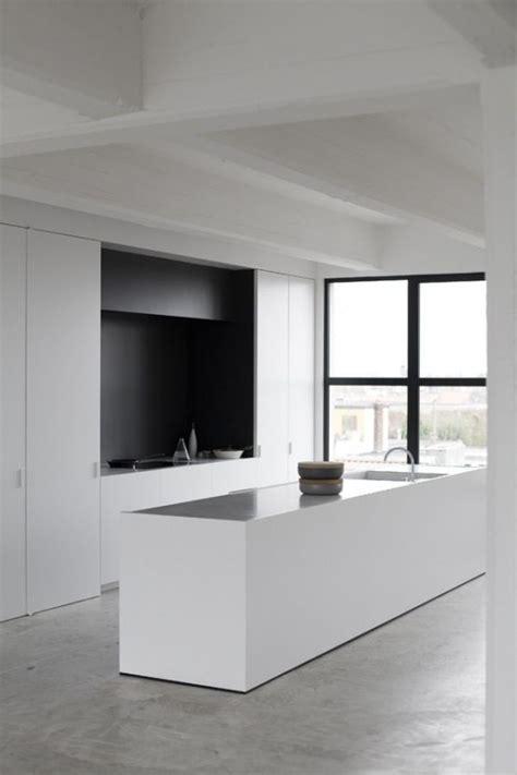 minimalist kitchen interior design 37 functional minimalist kitchen design ideas digsdigs 7518