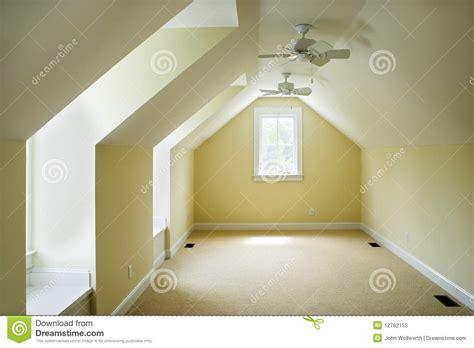 vide chambre chambre à coucher vide de grenier photos stock image