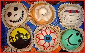 Halloween Muffins Rezepte Mit Bild : meine ersten halloween cupcakes motivtorten fotos forum ~ Frokenaadalensverden.com Haus und Dekorationen