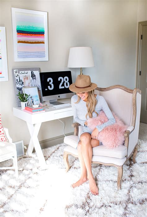 A Fashion Blogger's Home Office Decoholic