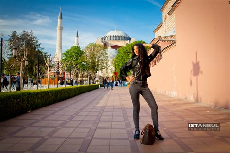 solo traveller photo  istanbul