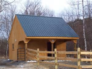 Small Horse Barn with Living Quarters Plans