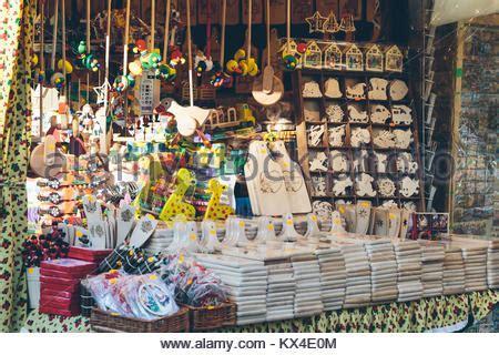 einkaufen in polen 2017 krakau polen dezember 5 2017 weihnachtsdekoration