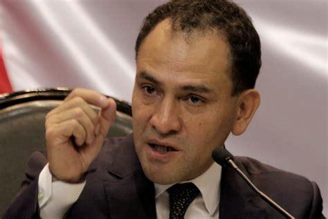Lo que tiene el FONDEN son deudas: Arturo Herrera - 24 ...