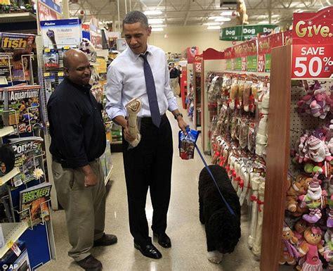 wifes  obama  christmas shopping