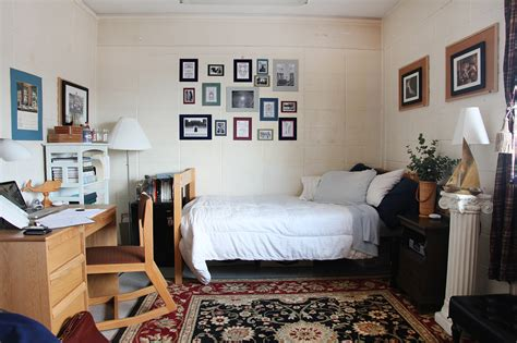 Cool Decorating Ideas For Dorm Rooms