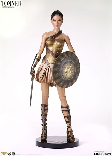 dc comics  woman training armor deluxe doll