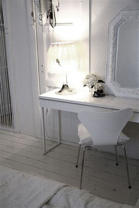 bestå burs desk high gloss white ikea white besta burs desk in high gloss white finish