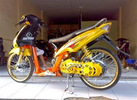 Modifikasi Mio Sporty Jari Jari by 30 Gambar Modifikasi Yamaha Mio Keren Gagah Otomotif Style
