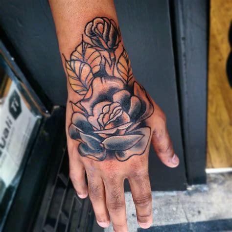 tattoovorlage rose auf der hand