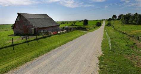 Survey Iowa Farmland Values Decline Nearly 9