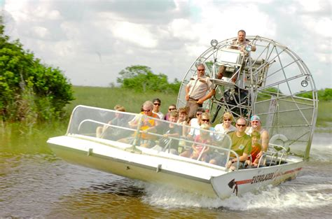 Everglades Boat Tours Alligators by Airboat Rides Everglades Safari Parkeverglades Safari Park