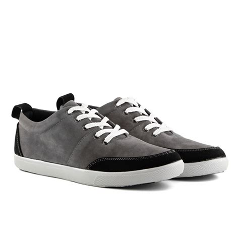 sepatu sneakers pria fame grey mall indonesia