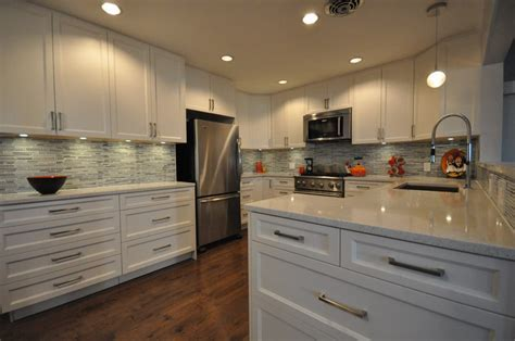 Maple Shaker Painted White with Silestone Stellar Snow