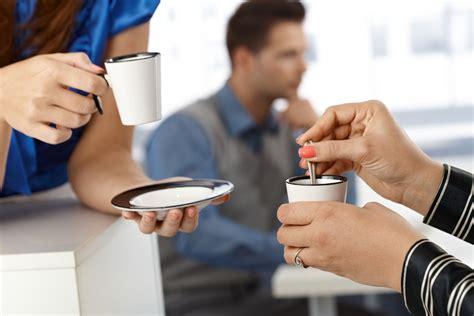 la pause café au bureau coworking