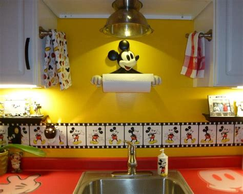 Mouse In Kitchen What To Do by The Of Disney My Kitchen The Colander Light