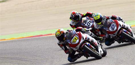 circuit moto on track stage pilotage moto roulage moto sur circuit