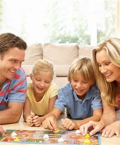 Spiele Für Familie : mensch rgere dich nicht co sind f r die entwicklung von kindern ein gewinn ~ Orissabook.com Haus und Dekorationen