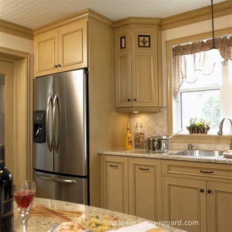 moulure cuisine armoires de cuisine bois et moulures idée de décoration