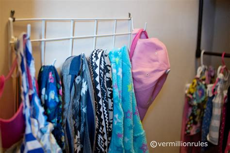 organizing a kid friendly closet