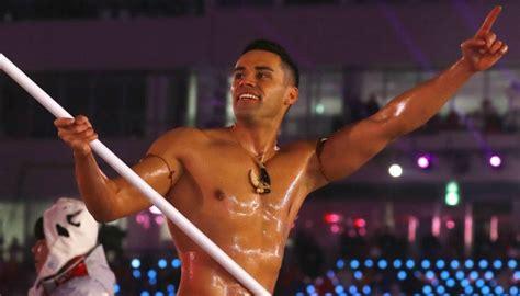 winter olympics shirtless tongan pita taufatofua steals