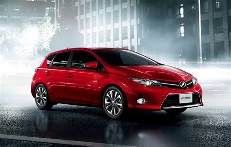 toyota motors japan tmc launches new 39 auris 39 compact hatchback in japan
