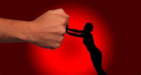 gewalt gegen frauen oegb fordert mehr schutz vor gewalt