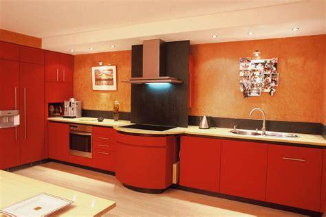 cuisine mur en cuisine avec crédence en ardoise et mur peches