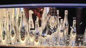 Tommy Hilfiger Festive Holiday Window Display 2013 - Best ...