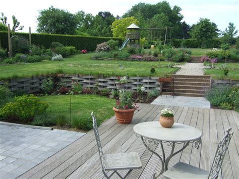incroyable amenagement exterieur maison terrain en pente 3 vues densemble le jardin de bene