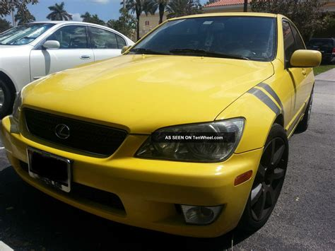 lexus yellow yellow 2002 lexus is300 base sedan 4 door 3 0l