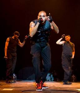 chris_brown_performing_live_in_concert_at_vector_a_2037524651
