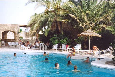 table cuisine hôtel caravansérail nefta tunisie
