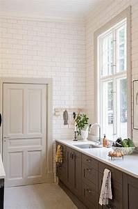 Revêtement Mural Cuisine : le carrelage m tro blanc fait fureur dans la cuisine ~ Farleysfitness.com Idées de Décoration