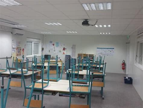 bureau modulaire interieur salle de classe modulaire installée dans la drôme