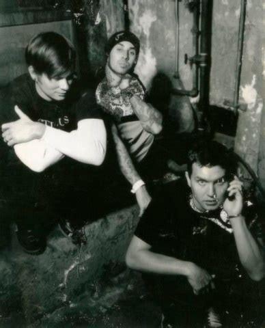 Kaos Travis Barker 197 best blink 182 3 images on bands