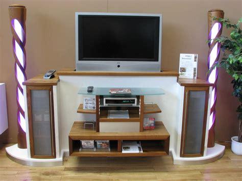 Versenkbarer Fernseher Möbel by Fernseher In Ein M 246 Bel Versenkbar