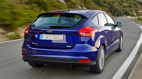 ford focus hatchback review